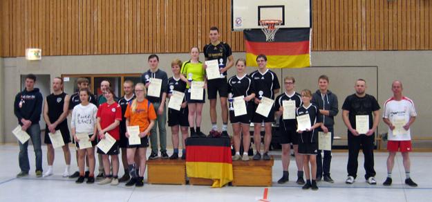 Deutschlands beste Einzelspieler 2013 um Sarah Walter und David Zentarra. (Foto: Uwe Walter)