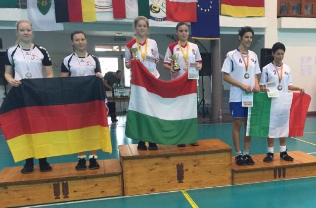 Franziska Oberlies und Lina Marie Kurenbach holten im Damen-Doppel EM-Silber.