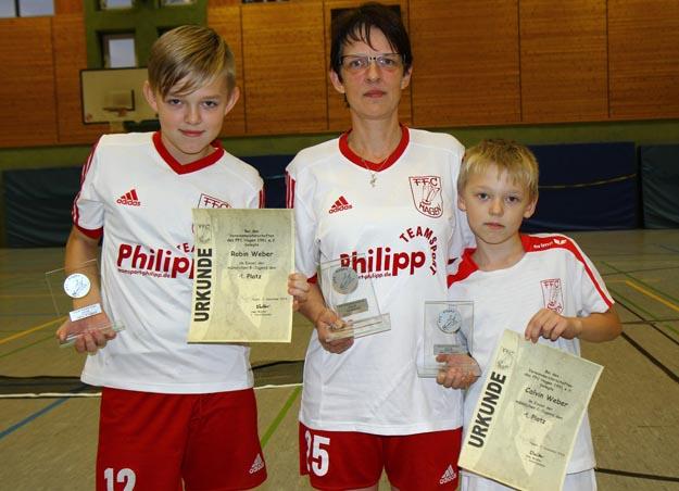 Die dreifachen Webers: (v.l.) Robin, Marion udn Calvin Weber wurden in ihrer jeweiligen Altersklasse Vereinsmeister. (Foto Karsten-Thilo Raab)