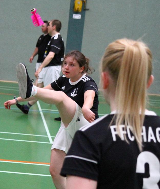 Für Nina  Twer und Carolin Hildebrand (verdeckt) setzte es ausschließlich Niederlagen. (Foto Karsten-Thilo Raab)
